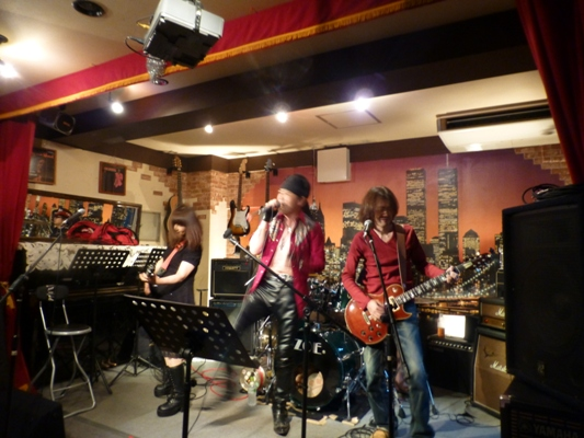 6月7日、Colorful Rainy Season Live@ZOEのライブレポpart1。_e0188087_23254837.jpg