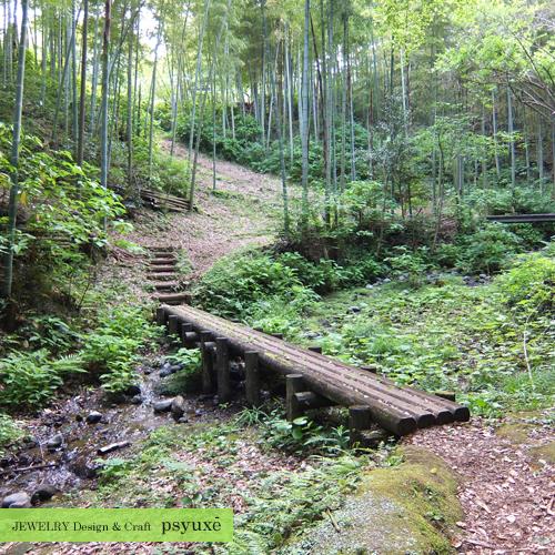 木の橋を渡って_e0131432_09581077.jpg
