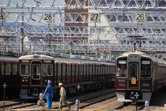 阪急正雀レポ 7303F 構内で調整_d0202264_17583598.jpg