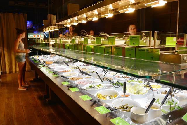 スイス・チューリッヒ ヨーロッパ最古のベジタリアンレストラン「ヒルトル」がステキ!_b0053082_1443678.jpg
