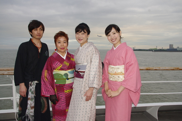 船のパーティ その④_f0140343_14543697.jpg