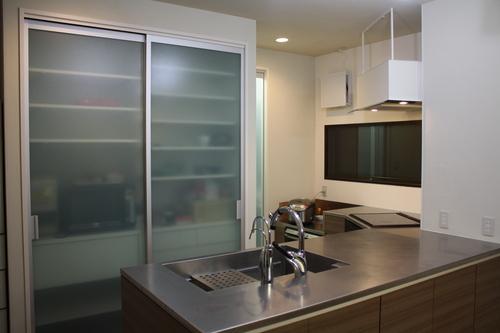 L型変型キッチンとオーダーメイド換気扇_a0155290_14454190.jpg