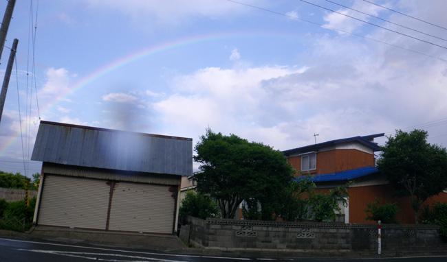 青空をバックに虹が出た~♪_a0136293_18251824.jpg