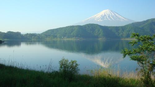 梅雨の中休み。  富士河口湖より_f0325525_23505663.jpg