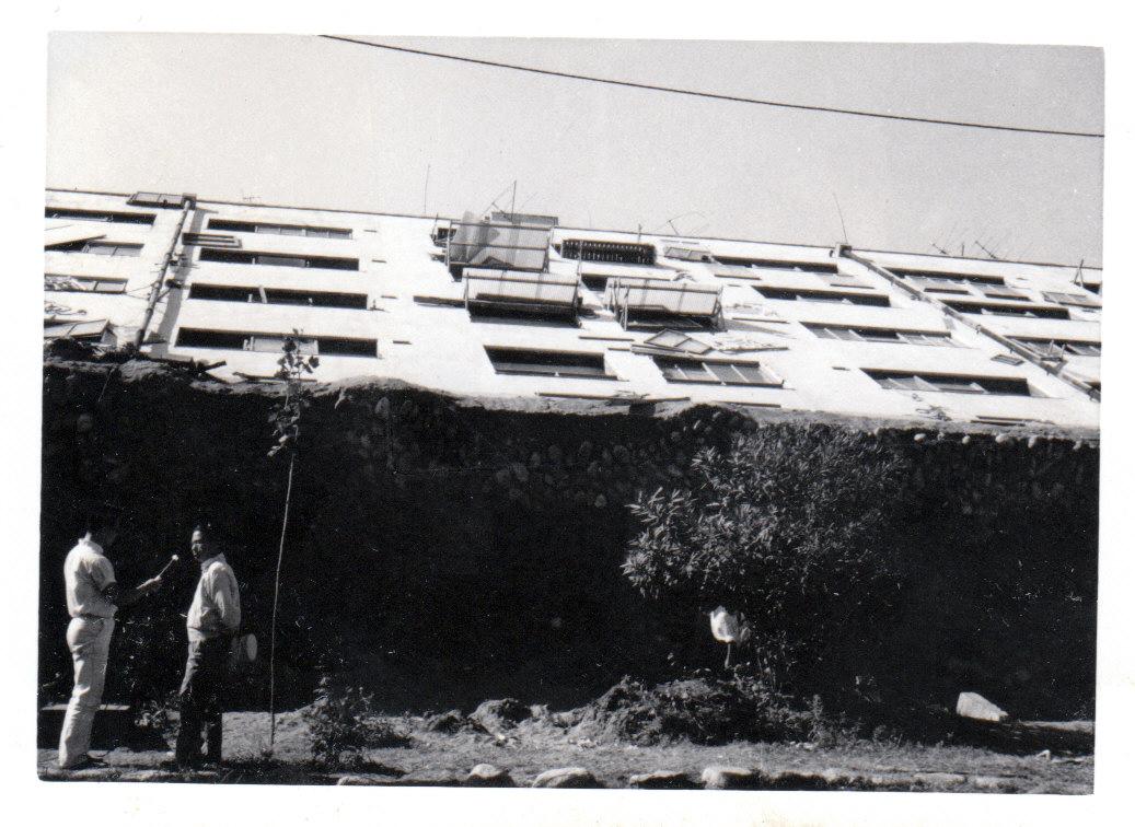 蔵織『新潟地震50周年写真展』が始まります_d0178448_09403011.jpg