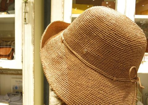暑い日には、ヘレンカミンスキーのラフィアハットで・・・_c0227633_11435184.jpg