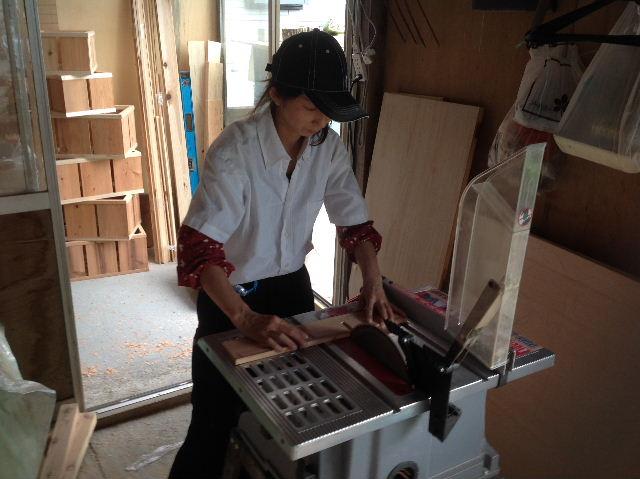 木工女子部  作品作り_f0031037_2033554.jpg