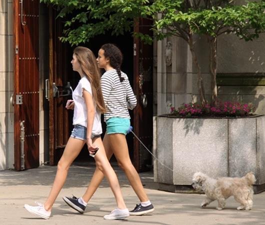 初夏のNY「ミュージアム・マイル」沿いの並木道をお散歩_b0007805_1113920.jpg
