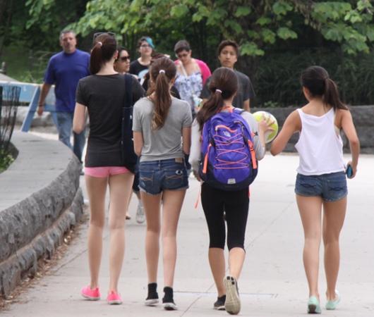 初夏のNY「ミュージアム・マイル」沿いの並木道をお散歩_b0007805_1114963.jpg