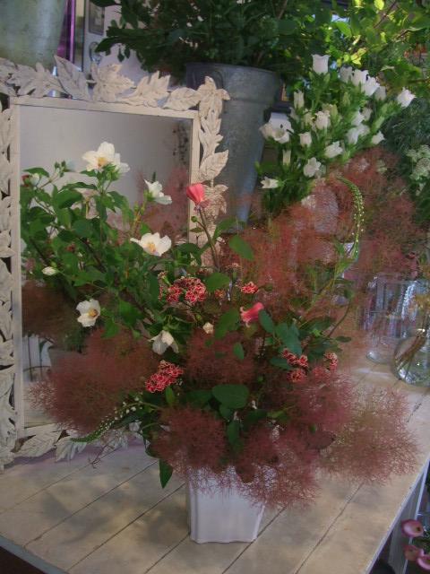 オークリーフ花の教室(赤地さんと宮原さんの作品)_f0049672_17143217.jpg