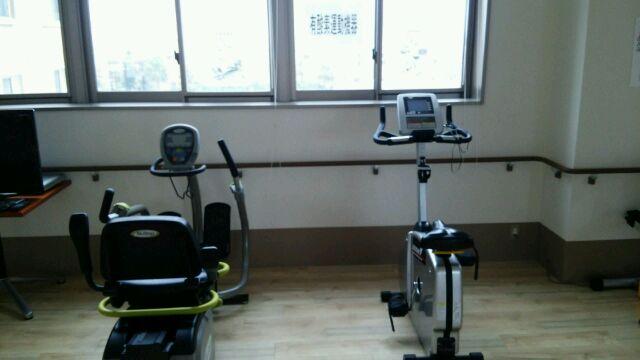 筋力トレーニングおよび物理療法機器の紹介_a0079474_11525835.jpg