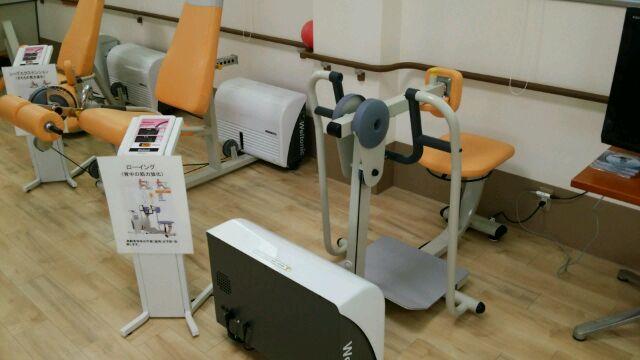 筋力トレーニングおよび物理療法機器の紹介_a0079474_1258388.jpg