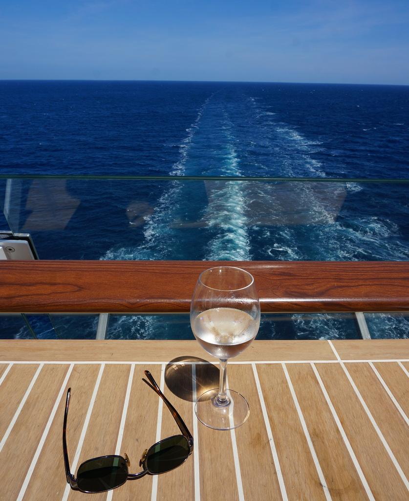 船上のコンサート。_c0180686_18585907.jpg