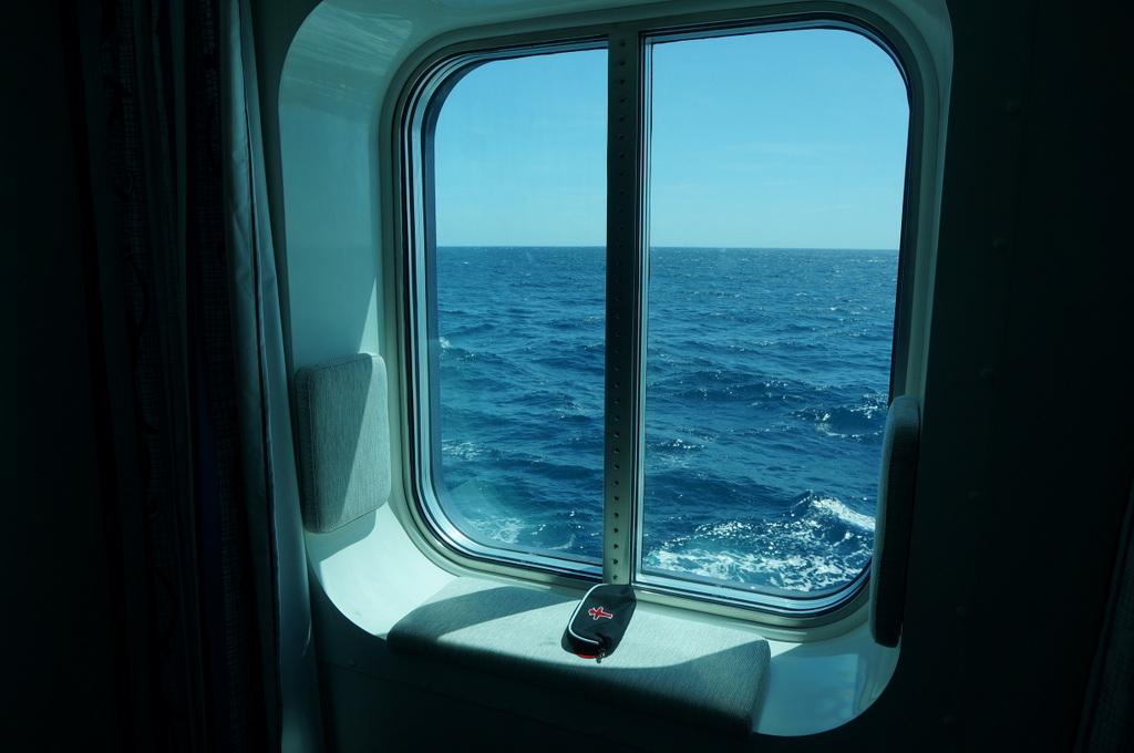 船上のコンサート。_c0180686_19023562.jpg