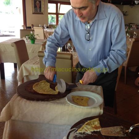 イタリア食旅行記② ひよこ豆の粉で作るファリナータ_b0107003_22344721.jpg