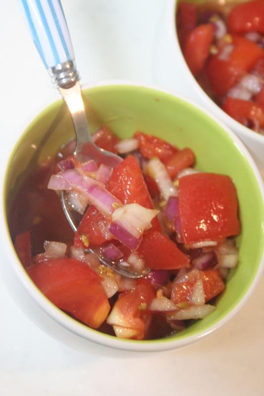 トマトと玉ねぎのはちみつ醤油マリネ_f0141419_09240282.jpg