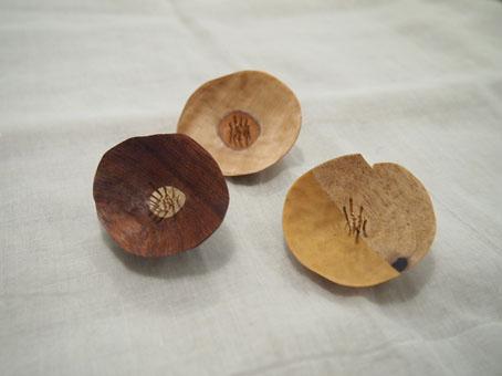 宮内知子さんの合わせ木細工ブローチ、おはなとおじさん_b0322280_18564080.jpg