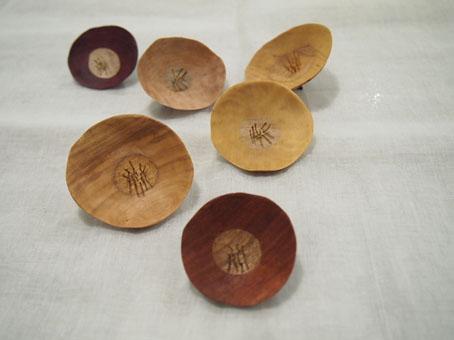宮内知子さんの合わせ木細工ブローチ、おはなとおじさん_b0322280_198489.jpg