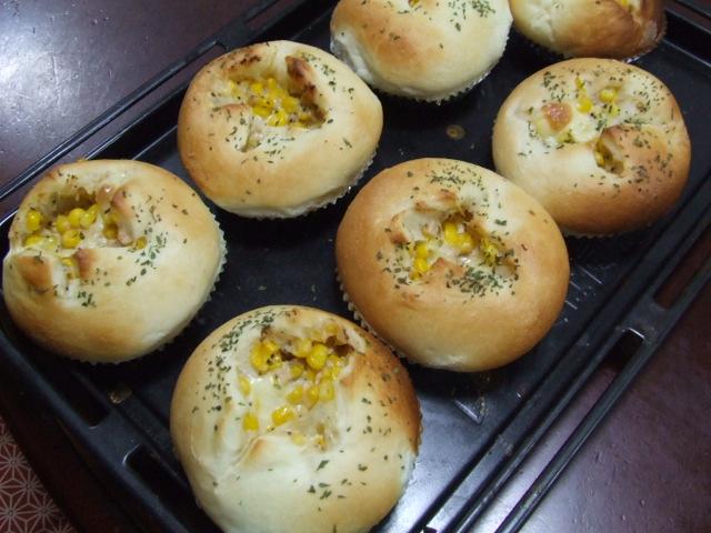 ツナコーンマヨチーズパン_f0019498_1836282.jpg