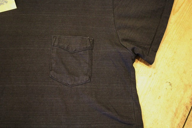 BLACK INDIGO POCKET Tee_d0121303_14275584.jpg
