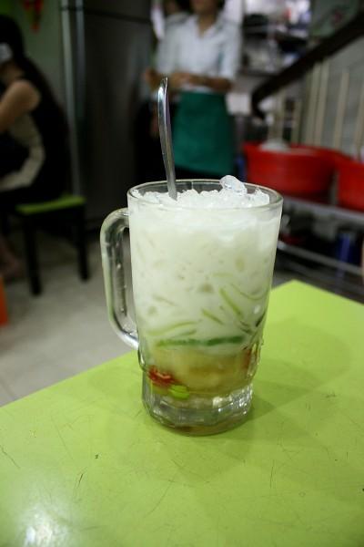 サイゴン : おこわとチェーの店「Xôi Chè Bùi Thị Xuân ソイ・チェー・ブイ・ティー・スアン」_e0152073_8263462.jpg