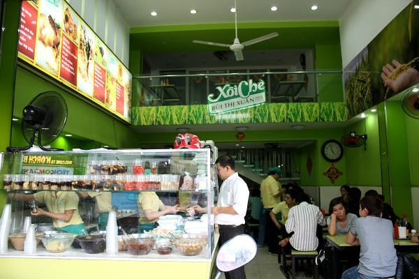サイゴン : おこわとチェーの店「Xôi Chè Bùi Thị Xuân ソイ・チェー・ブイ・ティー・スアン」_e0152073_8263961.jpg