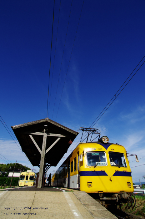 駅と青空と_d0309612_0513074.jpg