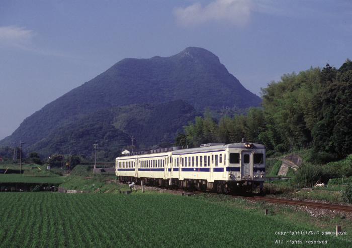 香春岳を背に_d0309612_23564495.jpg