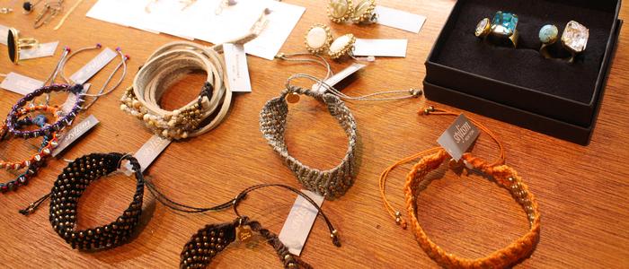 「Accessories! Accessories! Accessories!」_f0208675_14114466.jpg