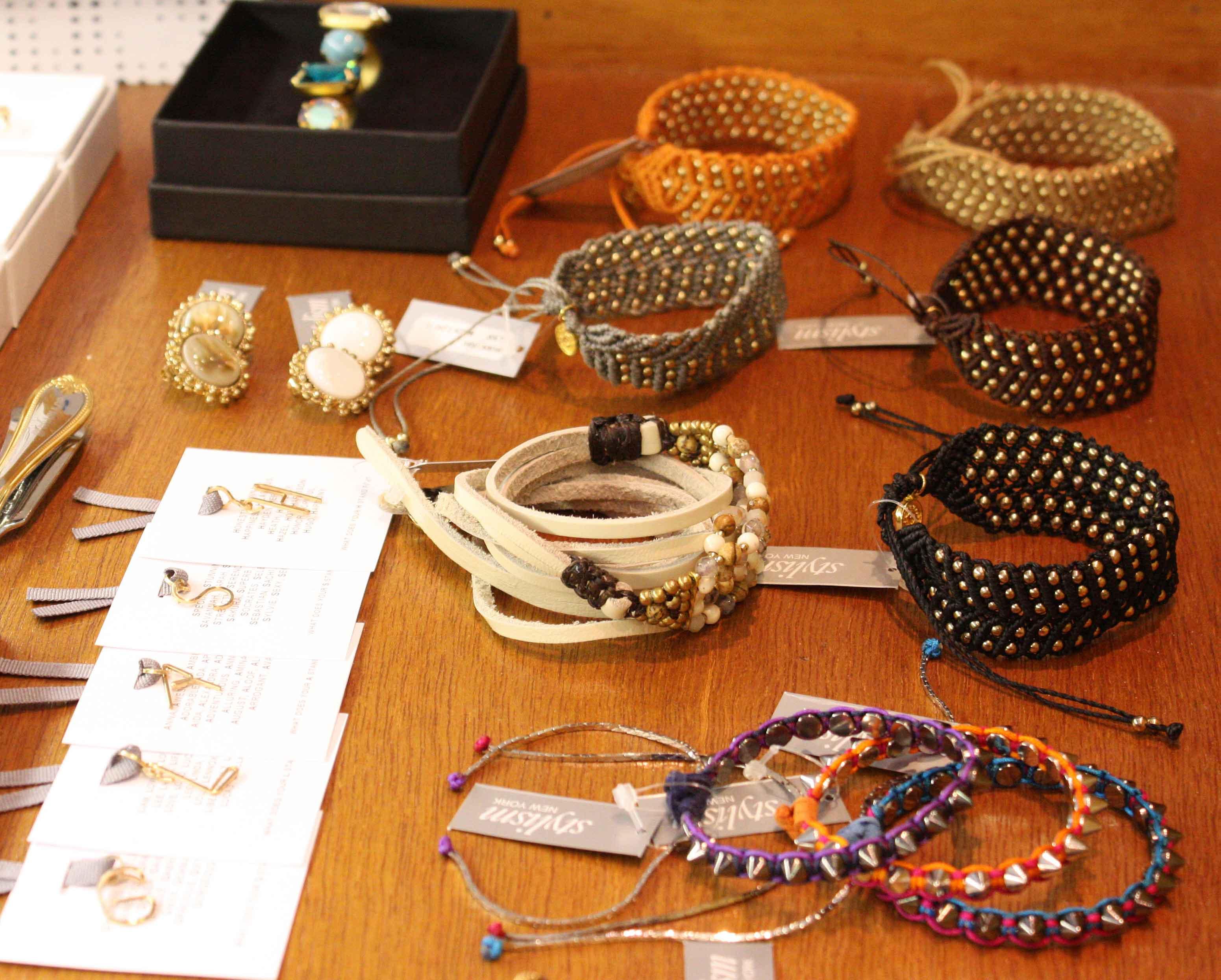 「Accessories! Accessories! Accessories!」_f0208675_14124736.jpg