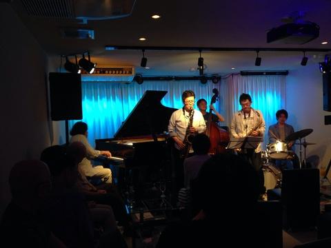 Jazzlive comin 本日土曜日のライブ_b0115606_1052967.jpg