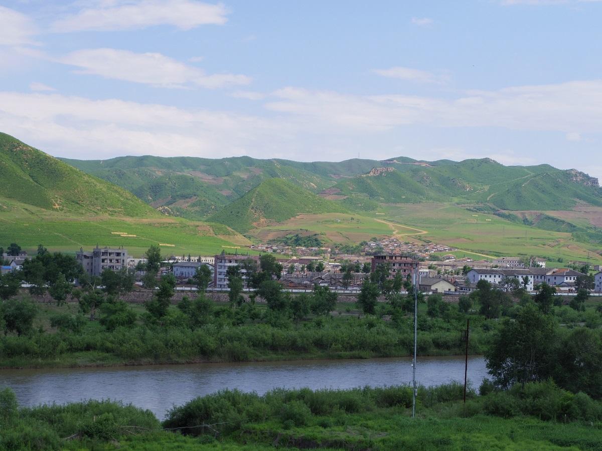 Day2: 北朝鮮国境訪問_d0026830_15290848.jpg