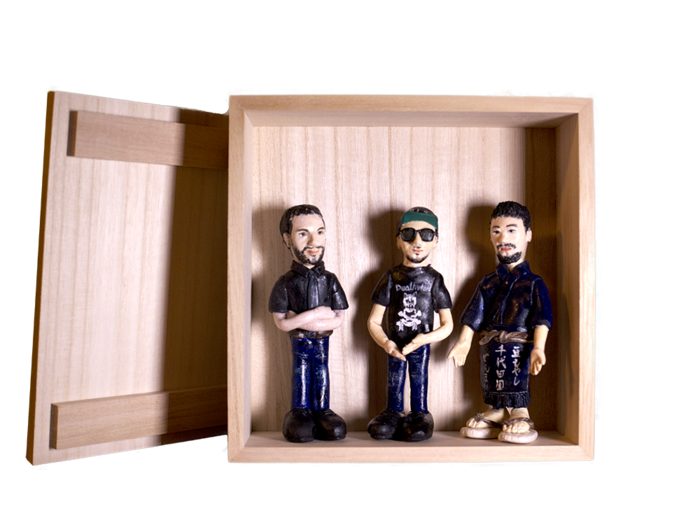 GranmaMusic online shopにて完全ハンドメイドTriune Gods Clay Doll (桐箱入り)受注生産開始_d0158942_2214964.png