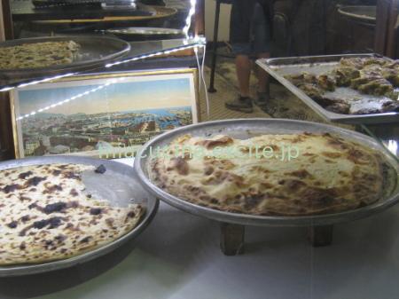 イタリア食旅行記④ レッコのフォカッチャ_b0107003_12473254.jpg