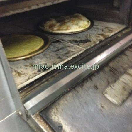 イタリア食旅行記④ レッコのフォカッチャ_b0107003_13264251.jpg