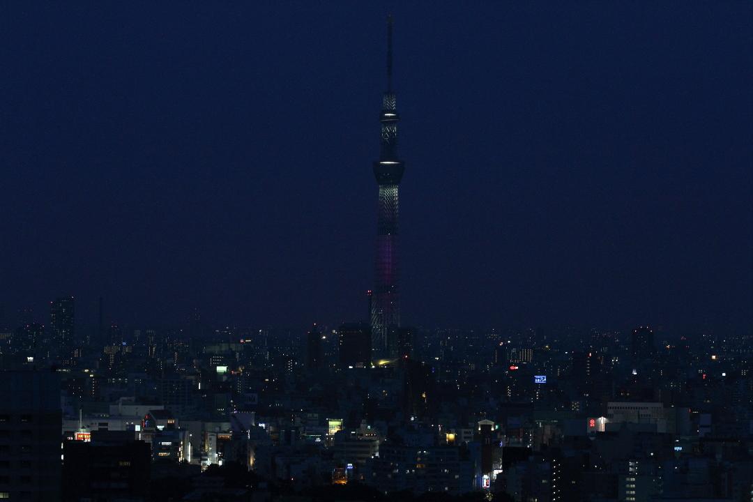 日の長い季節の夕暮れ空  _b0190710_16361060.jpg
