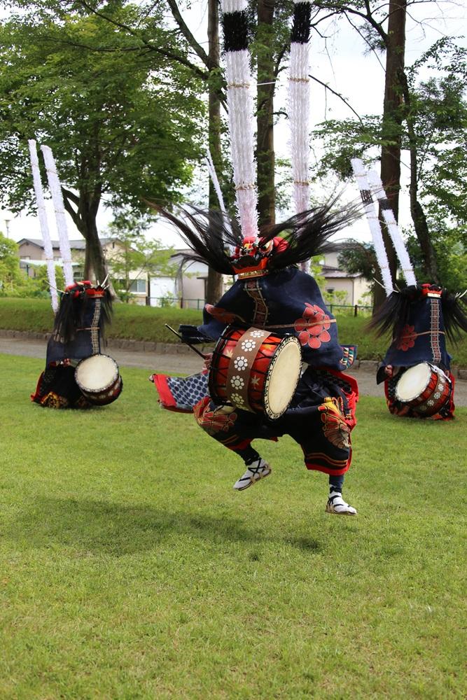 太鼓系しし踊りの奉納_c0111229_18282150.jpg