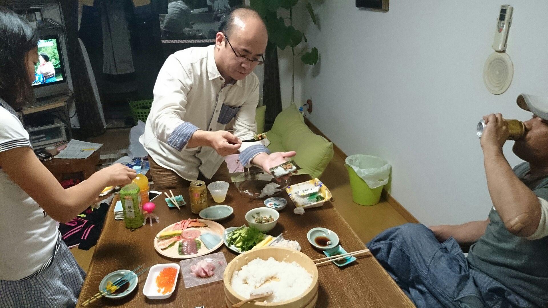 手巻き寿司でおもてなし♪_d0180229_20414769.jpg