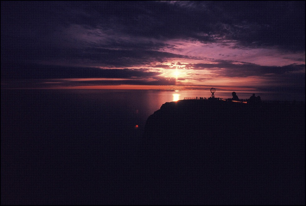 夏至の日に<巴里の夏至>と<北欧ノールキャップの沈まぬ太陽>を思いだしています_a0031363_245186.jpg