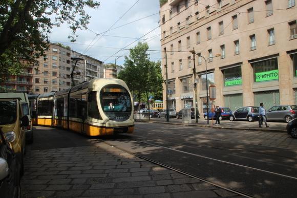 SKY140624 観光に回るには、地下鉄一日乗車券を4.5ユーロにて購入_d0288367_15354674.jpg