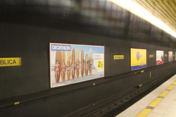 SKY140624 観光に回るには、地下鉄一日乗車券を4.5ユーロにて購入_d0288367_1537428.jpg
