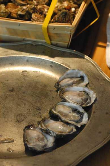 生牡蠣の開き方 Comment Ouvrir les Huitres_d0047851_2221017.jpg