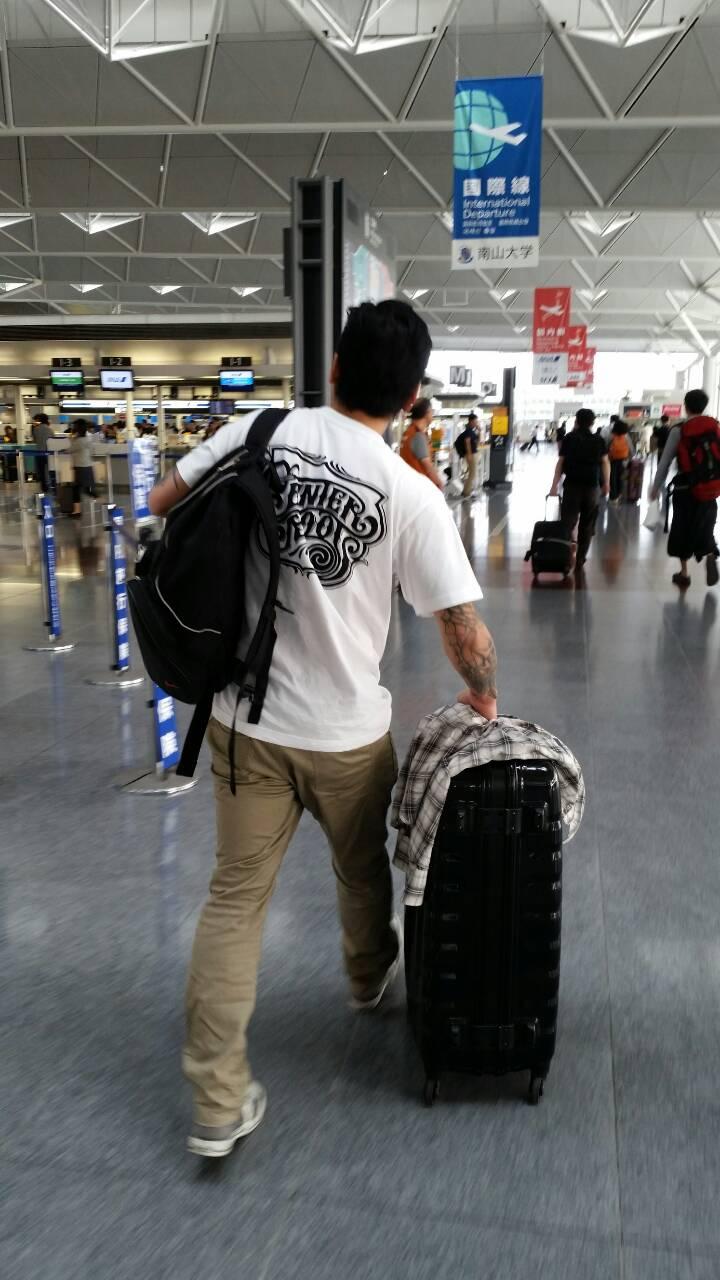 Aeropuerto:空港:_d0074074_1102174.jpg