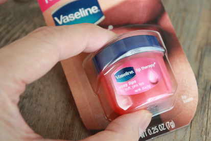 Vaseline Lip therapy_a0128290_16553774.jpg