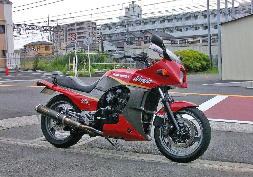 M田サン号 GPZ900Rニンジャのタイヤ交換で豹変??_f0174721_021250.jpg