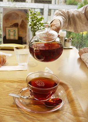 珈琲もいいけど、紅茶も。お披露目展から。_f0152544_23231181.jpg