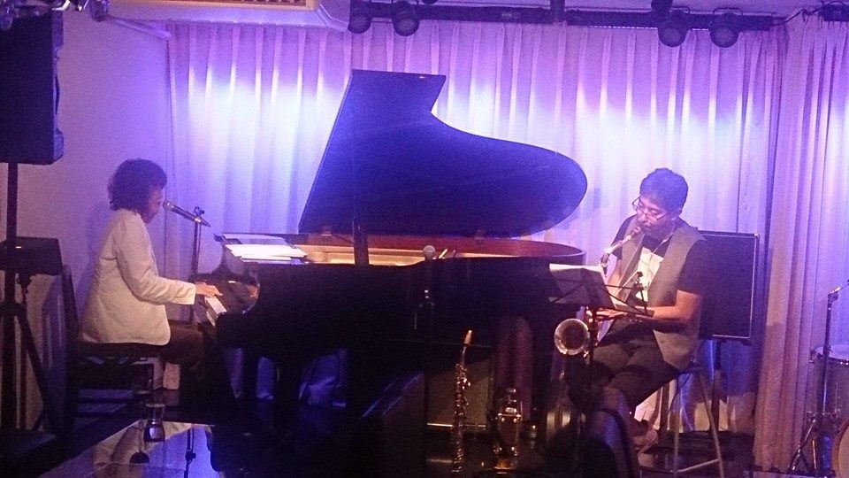 Jazzlive comin 広島 薬研堀 本日水曜日のライブ_b0115606_12103150.jpg