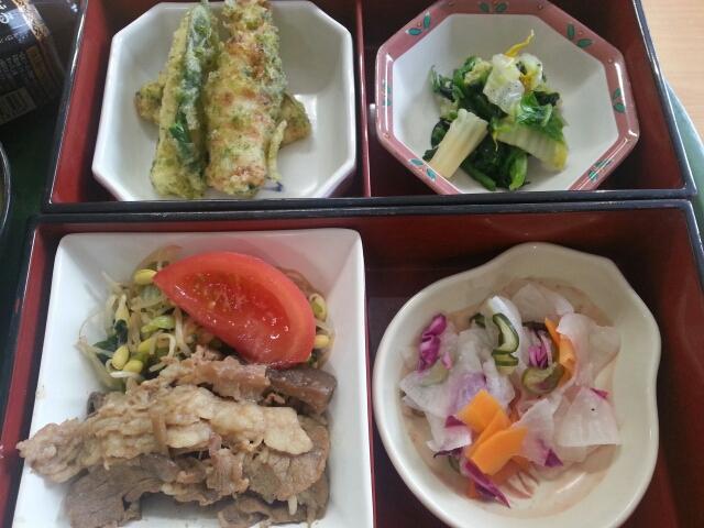 今日の昼食@会社Vol.547_b0042308_1242396.jpg