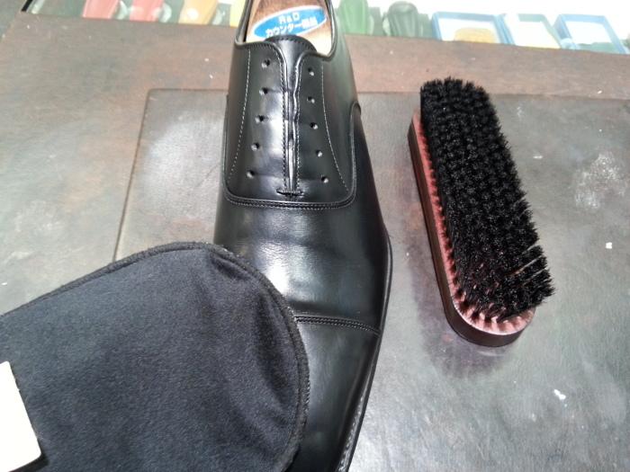 革靴、基本のお手入れ。_b0226322_14352787.jpg