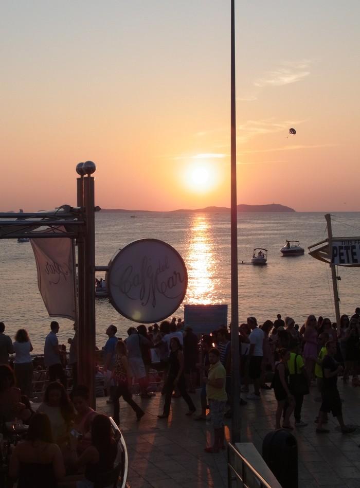 世界で最も美しい夕日_d0116009_9153646.jpg